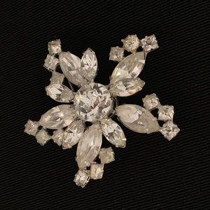 Vintage Snowflake Flower Brooch